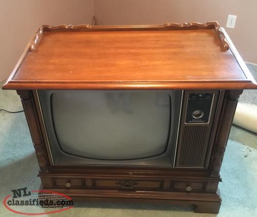 Free 1960 39 s zenith floor model tv dildo newfoundland for Floor model tv