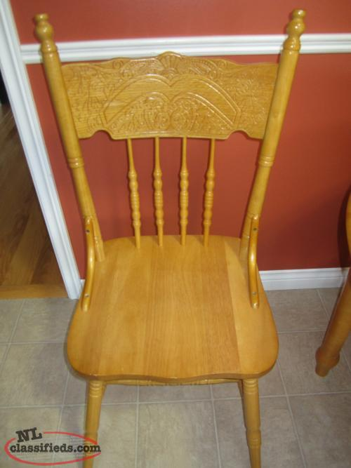 Round oak kitchen table and chairs St John s Newfoundland