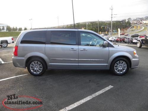 2016 chrysler town and country touring l st john 39 s newfoundland. Black Bedroom Furniture Sets. Home Design Ideas