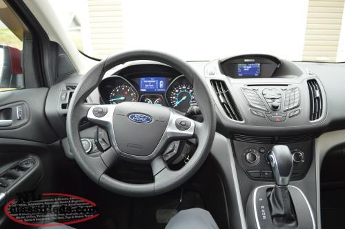 2013 ford escape se all wheel drive awd 52 000km warranty holyrood newfoundland. Black Bedroom Furniture Sets. Home Design Ideas