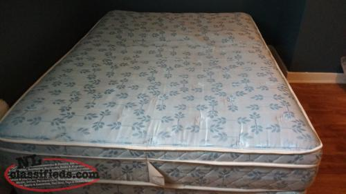sears double mattress and box spring excellent condition st john 39 s newfoundland. Black Bedroom Furniture Sets. Home Design Ideas