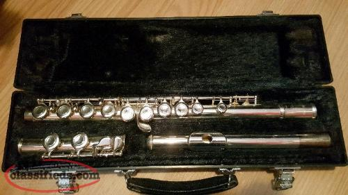 Yamaha yfl221 student flute in excellent condition for Yamaha yfl 221 student flute