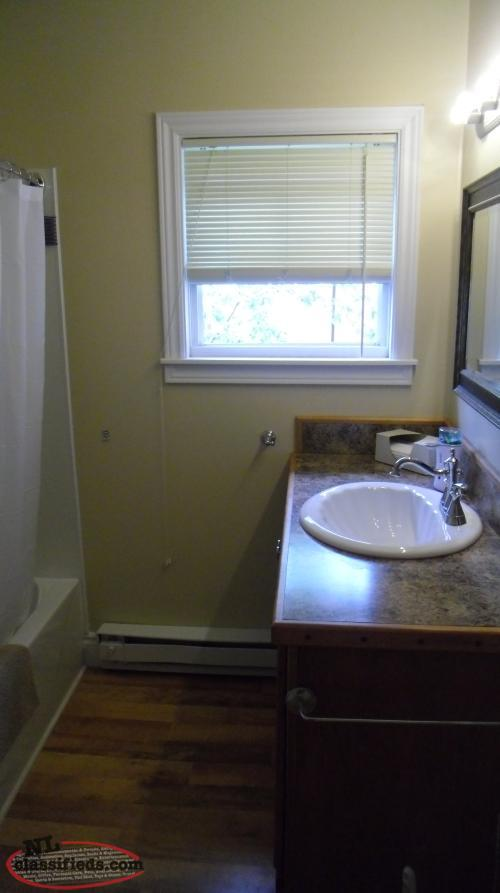 Lovely 2 bedroom 2 bathroom renovated home with a for 2 kitchen homes for rent